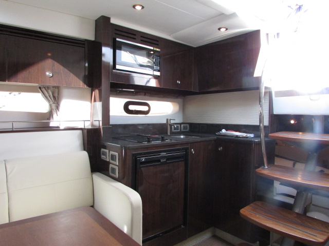 2017 Sea Ray boat for sale, model of the boat is 350 Sundancer & Image # 9 of 50
