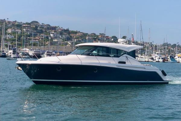 2020 TIARA 39 Coupe