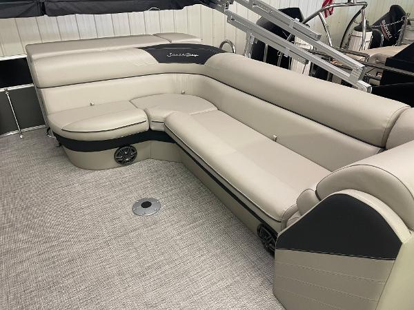 2021 South Bay boat for sale, model of the boat is 224CR LE 25 & Image # 10 of 11