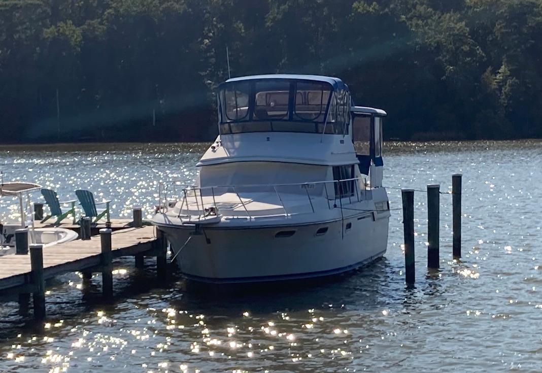 M 5735 TW Knot 10 Yacht Sales