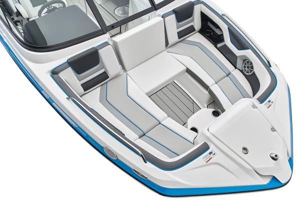 2022 Yamaha boat for sale, model of the boat is 212XD & Image # 2 of 9