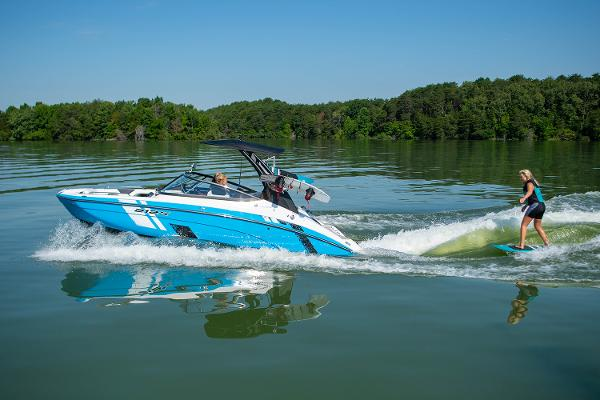 2022 Yamaha boat for sale, model of the boat is 212XD & Image # 8 of 9