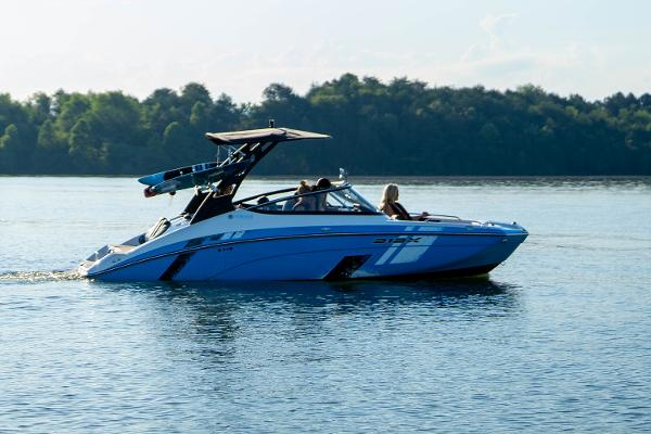 2022 Yamaha boat for sale, model of the boat is 212XD & Image # 9 of 9