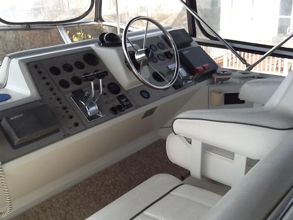 NY 5995 KM Knot 10 Yacht Sales