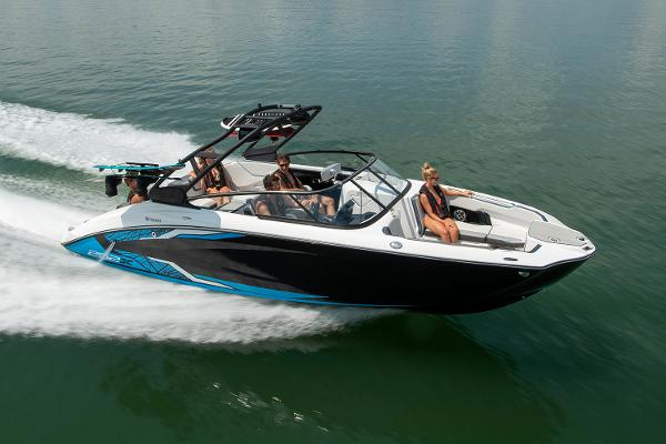 2022 Yamaha boat for sale, model of the boat is 252XE & Image # 5 of 6