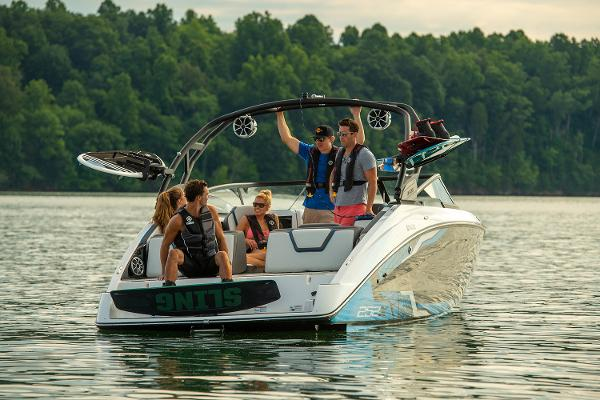 2022 Yamaha boat for sale, model of the boat is 252XE & Image # 4 of 6