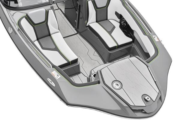 2022 Yamaha boat for sale, model of the boat is 255XD & Image # 2 of 10