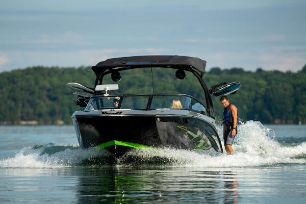 2022 Yamaha boat for sale, model of the boat is 255XD & Image # 10 of 10