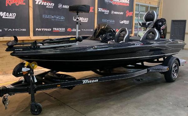 2021 Triton boat for sale, model of the boat is 179 TRX & Image # 5 of 18