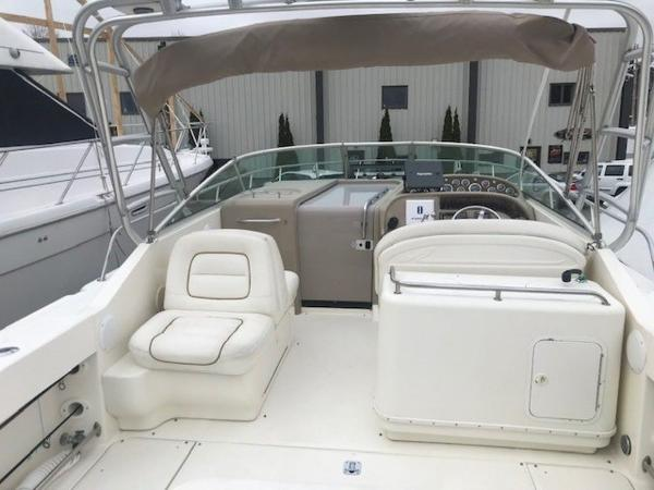 2000 Sea Ray boat for sale, model of the boat is 29' Amberjack & Image # 9 of 22