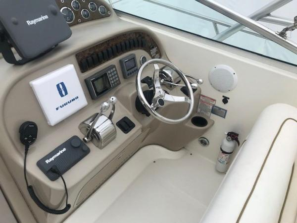 2000 Sea Ray boat for sale, model of the boat is 29' Amberjack & Image # 13 of 22