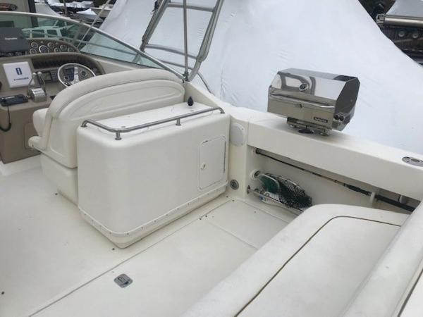 2000 Sea Ray boat for sale, model of the boat is 29' Amberjack & Image # 21 of 22