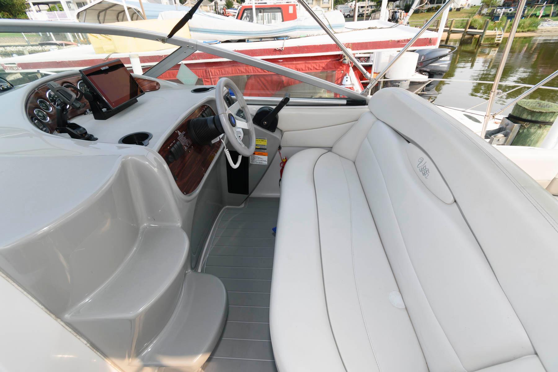 M 6307 EF Knot 10 Yacht Sales