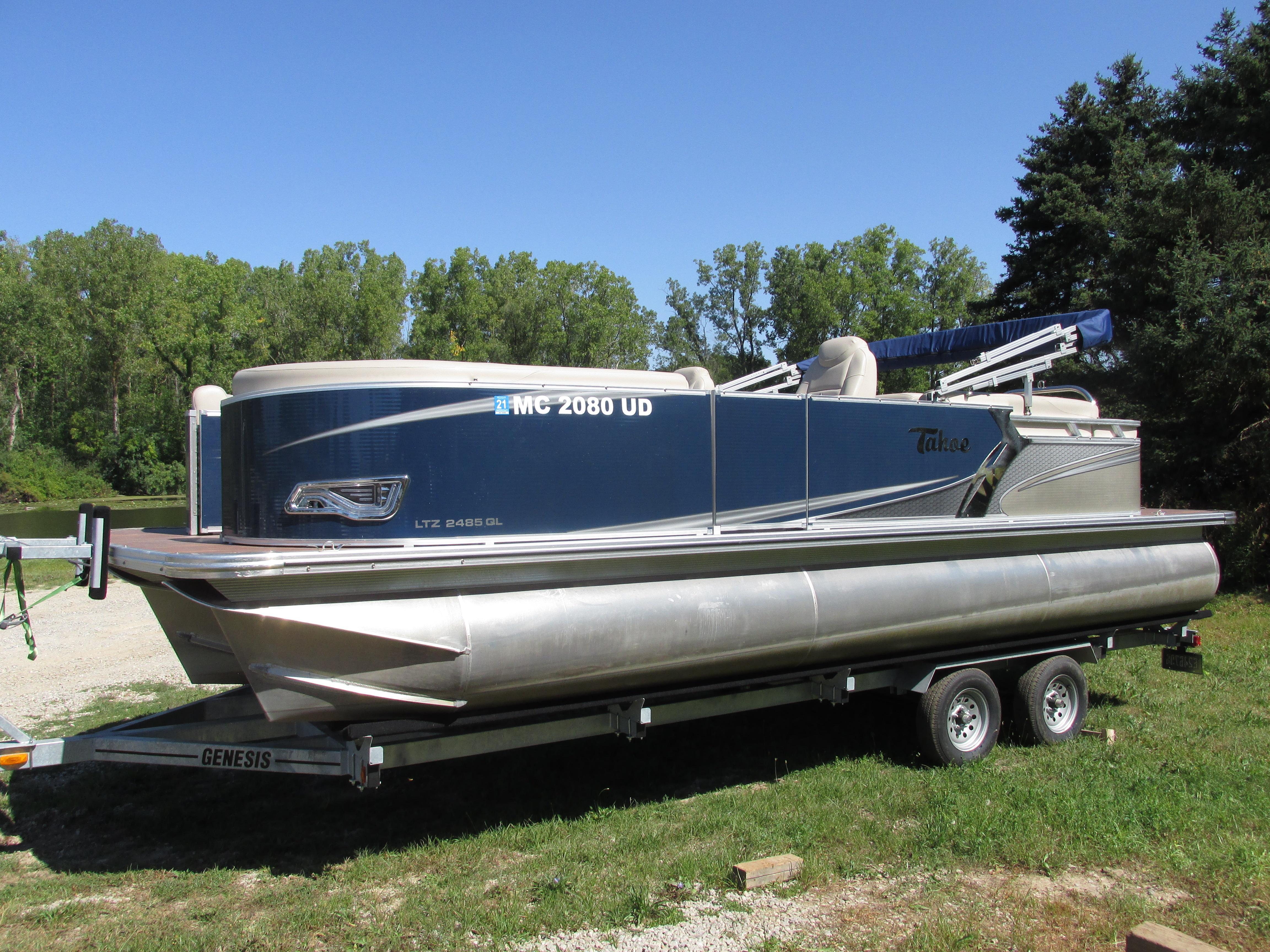 Tahoe PontoonLTZ 2485 Quad Lounger