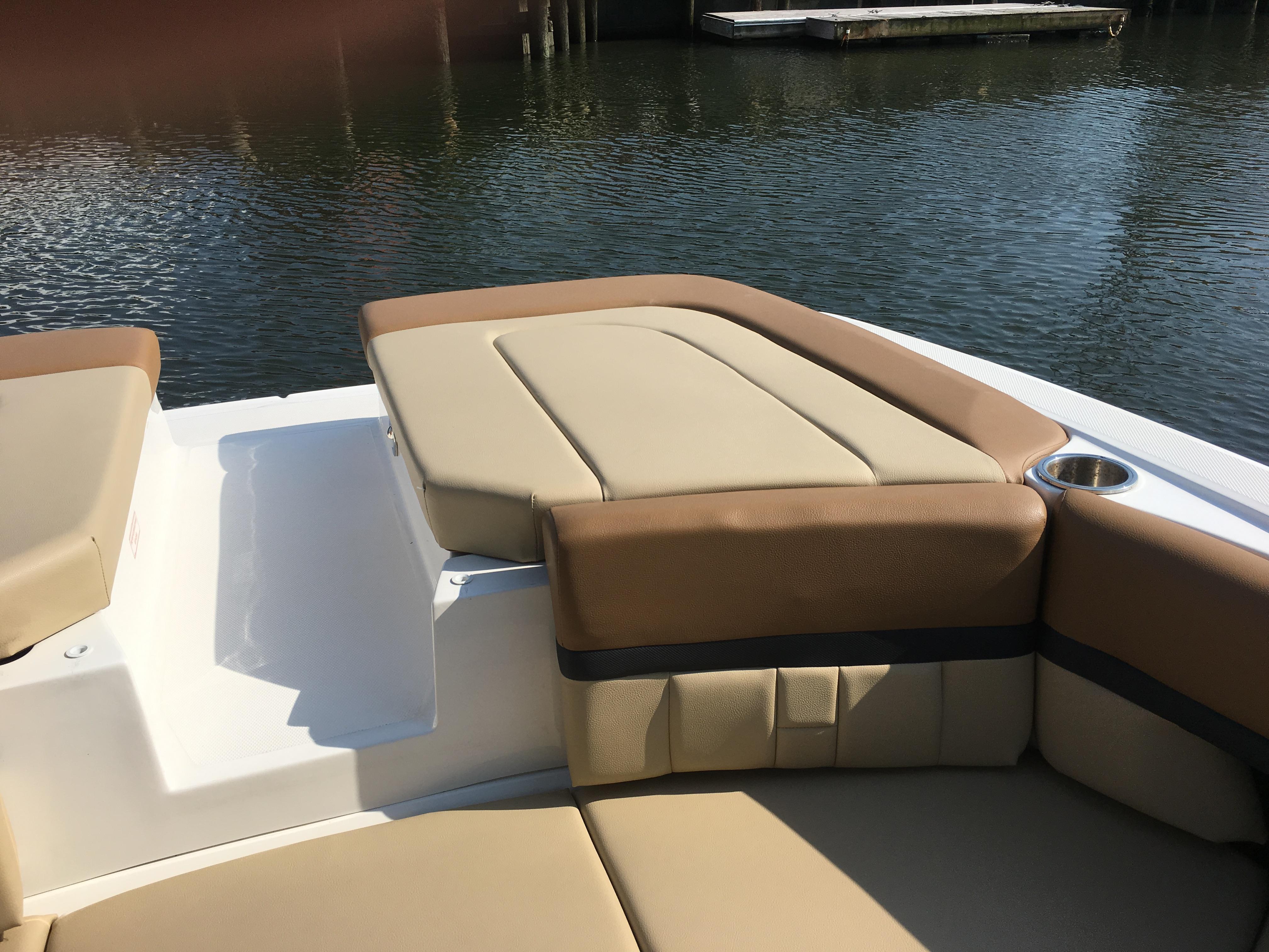 NY 5996 KM Knot 10 Yacht Sales