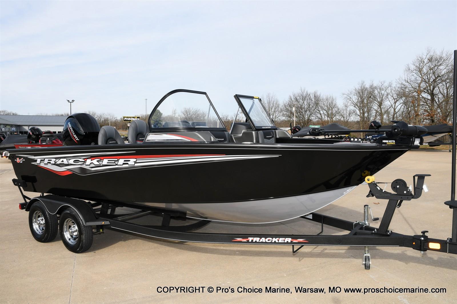 2022 Tracker Boats boat for sale, model of the boat is TARGA V-18 WT w/150HP 4 Stroke & Image # 2 of 50