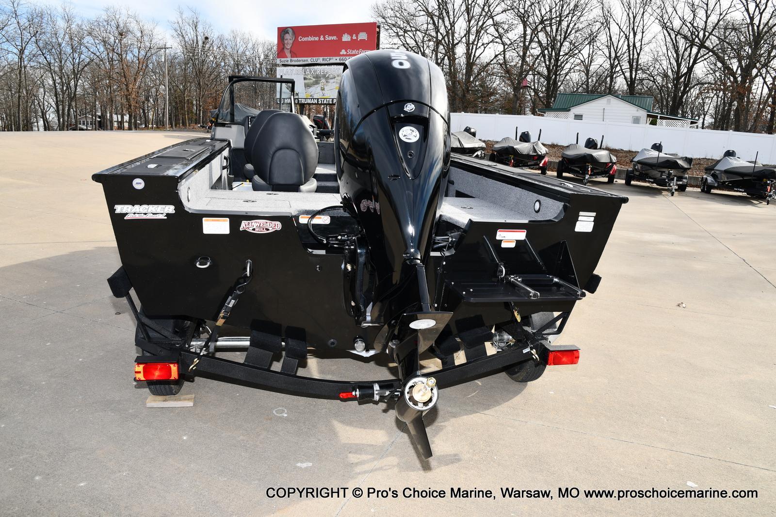 2022 Tracker Boats boat for sale, model of the boat is TARGA V-18 WT w/150HP 4 Stroke & Image # 4 of 50