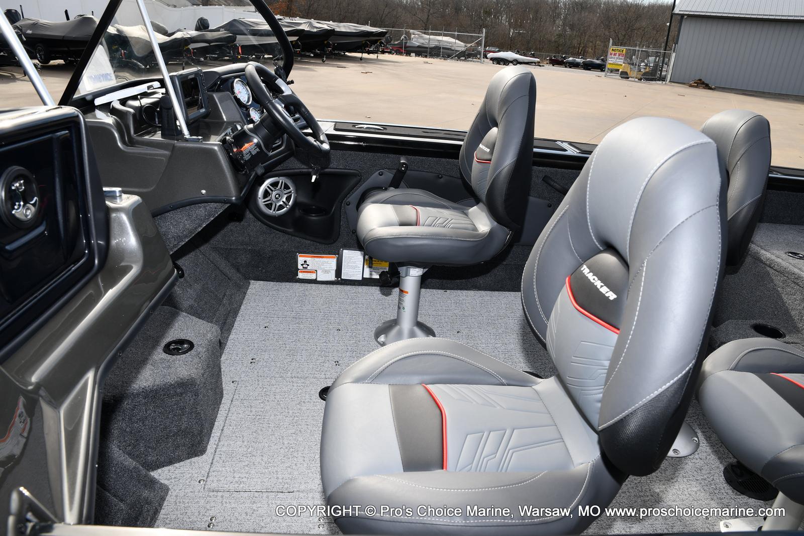 2022 Tracker Boats boat for sale, model of the boat is TARGA V-18 WT w/150HP 4 Stroke & Image # 20 of 50