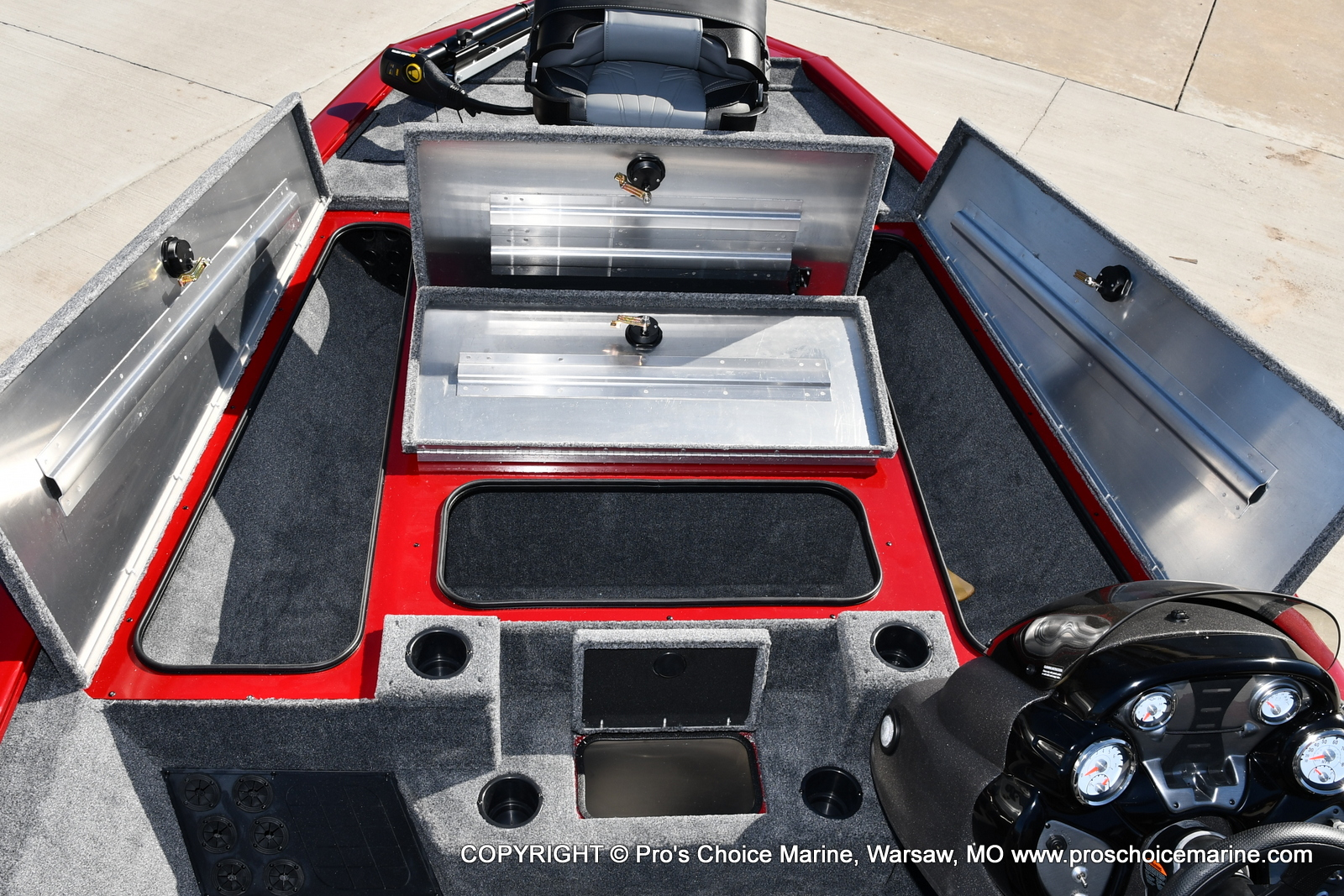 2022 Tracker Boats boat for sale, model of the boat is PRO TEAM 195 TXW w/150HP Pro-XS & Image # 10 of 50