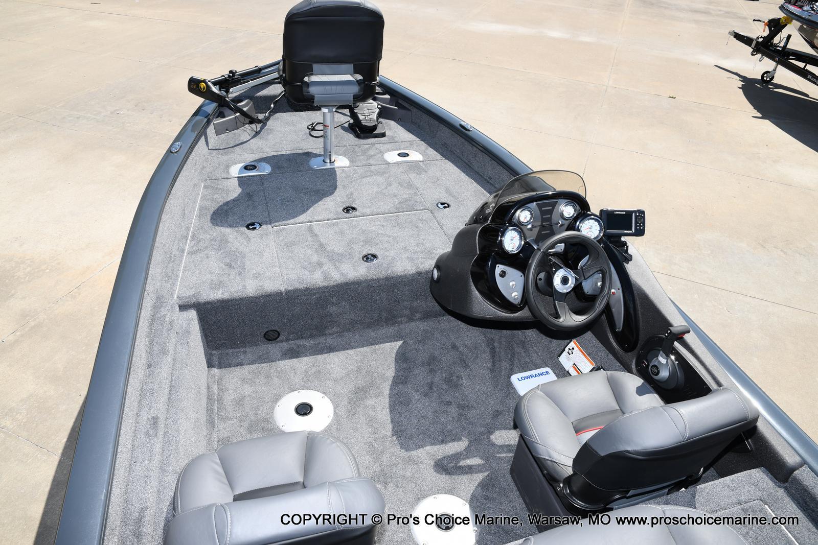 2022 Tracker Boats boat for sale, model of the boat is PRO TEAM 175 TF w/60HP Mercury 4 Stroke & Image # 19 of 50
