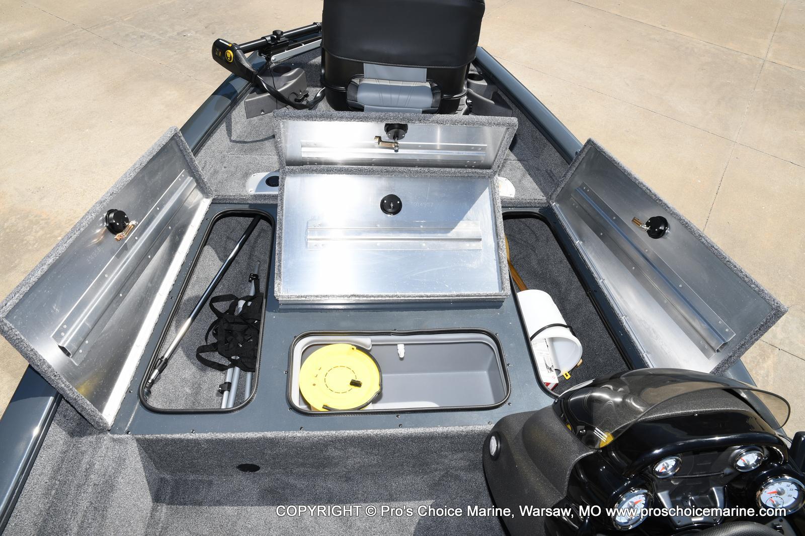 2022 Tracker Boats boat for sale, model of the boat is PRO TEAM 175 TF w/60HP Mercury 4 Stroke & Image # 43 of 50