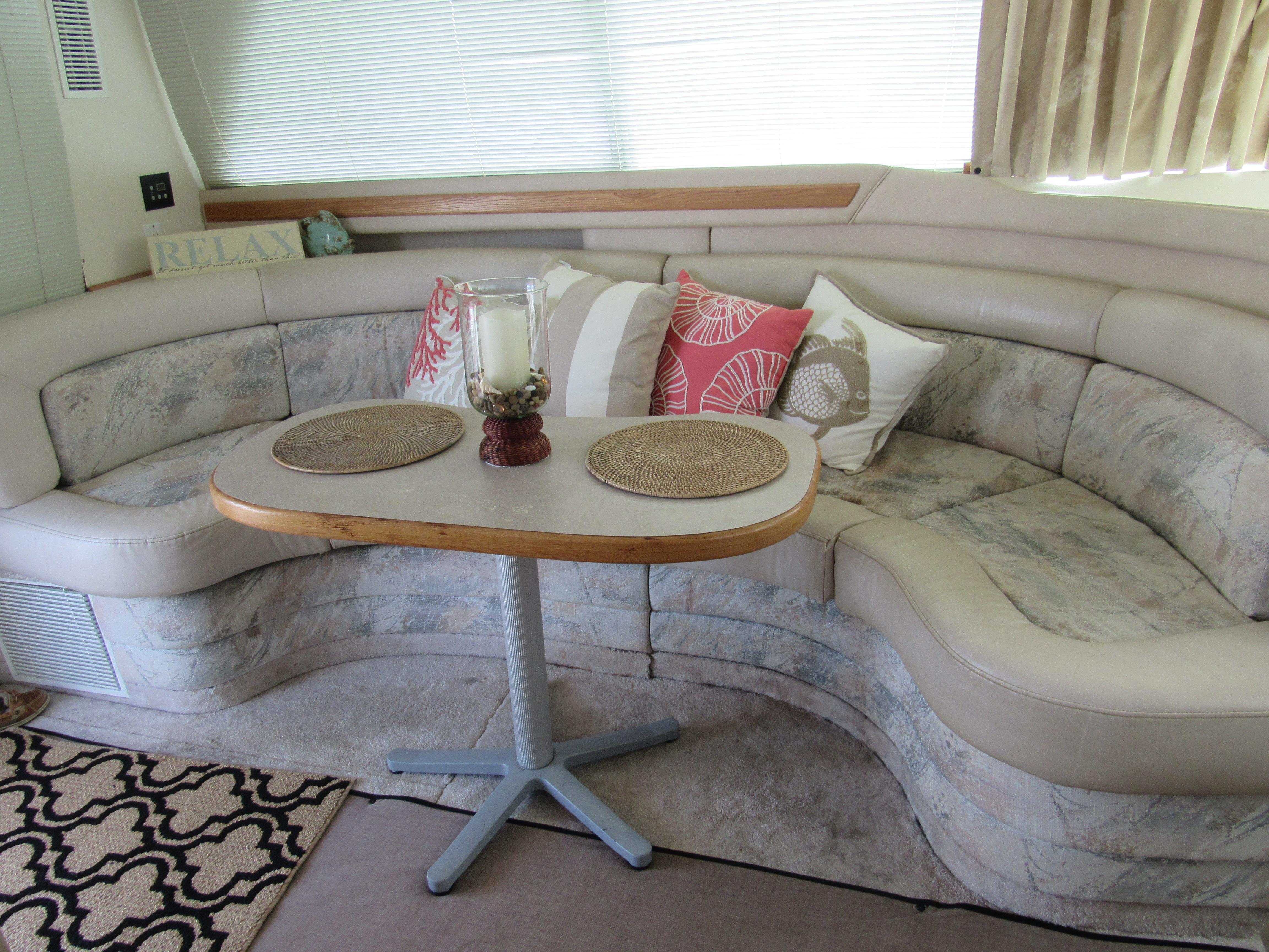 Salon Sofa and Table