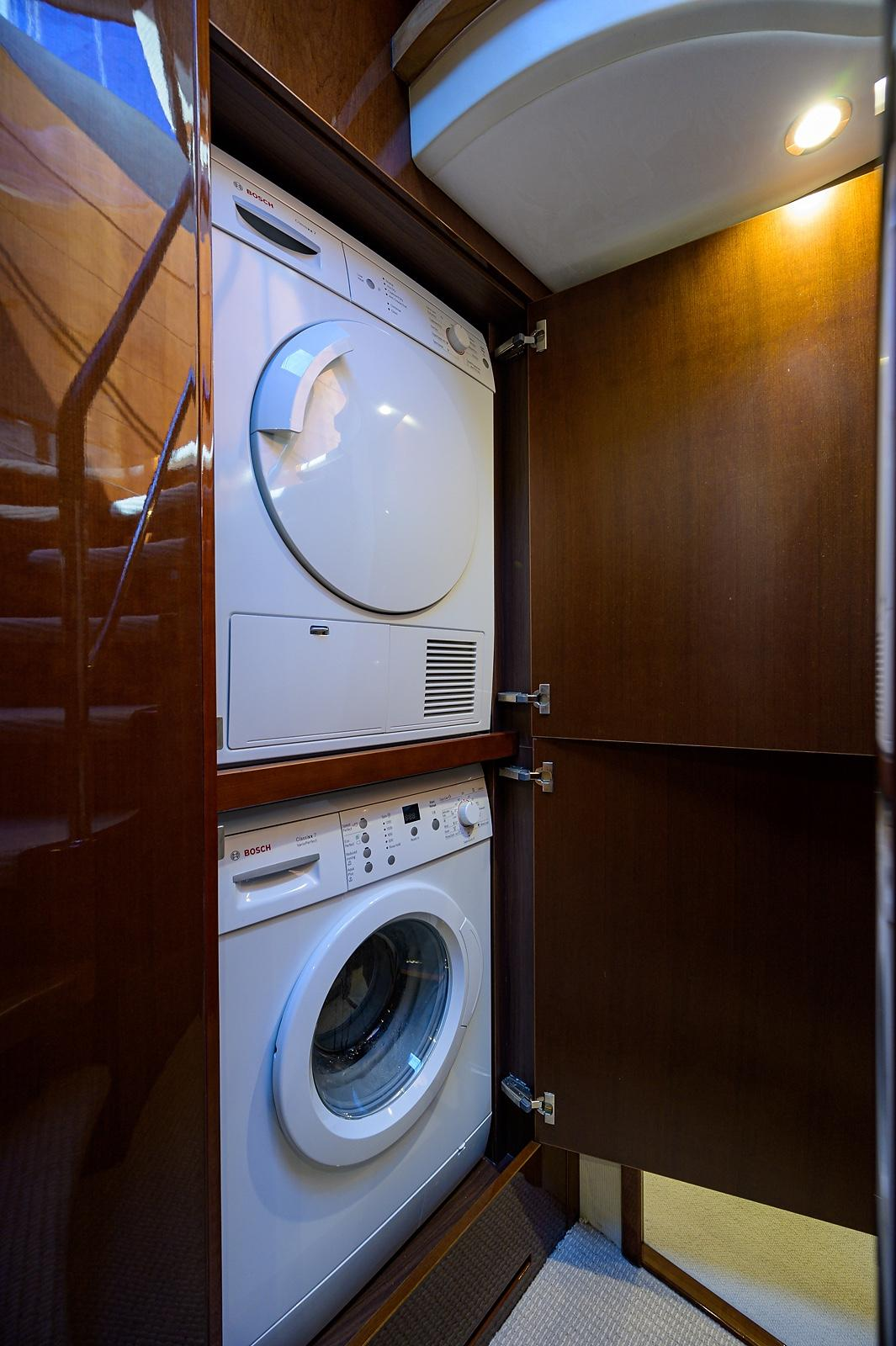 NIKITA 33 Washer/ Dryer