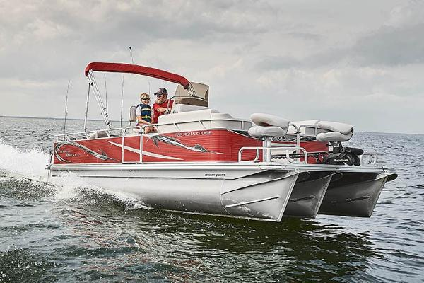 2021 Angler Qwest 818 Fish N Cruise thumbnail