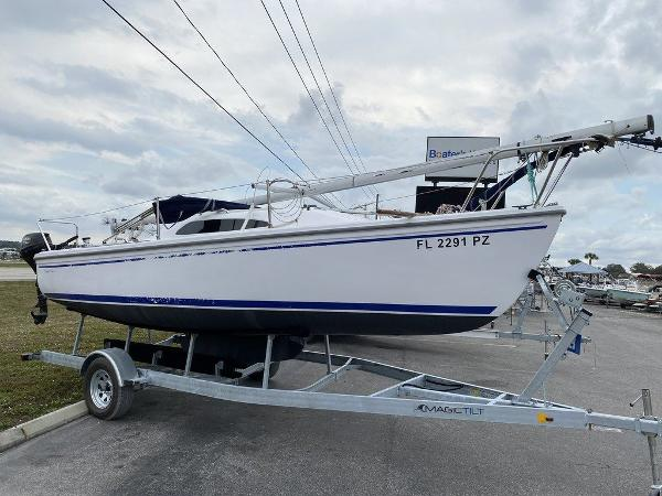 2016 Catalina Yachts boat for sale, model of the boat is 22 & Image # 2 of 8