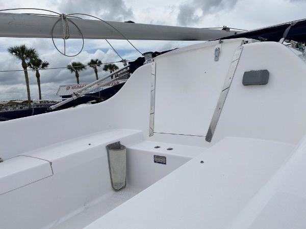 2016 Catalina Yachts boat for sale, model of the boat is 22 & Image # 4 of 8