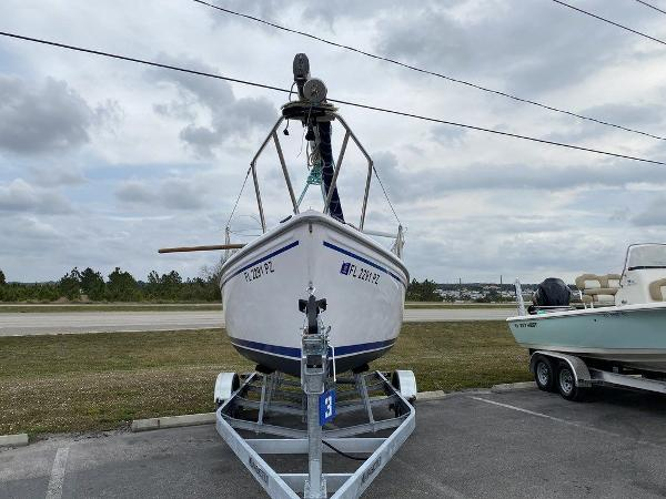 2016 Catalina Yachts boat for sale, model of the boat is 22 & Image # 5 of 8