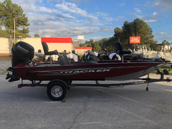 2021 Tracker Boats boat for sale, model of the boat is Pro Team 175 TXW & Image # 4 of 33