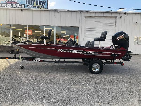 2021 Tracker Boats boat for sale, model of the boat is Pro Team 175 TXW & Image # 7 of 33