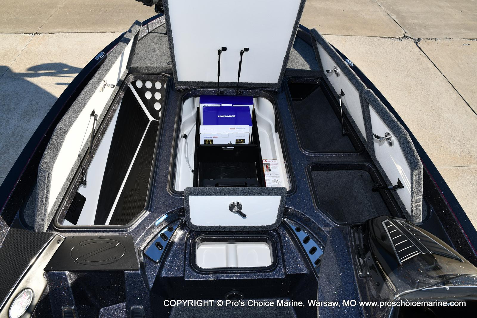 2021 Ranger Boats boat for sale, model of the boat is Z520C Ranger Cup Equipped & Image # 15 of 50