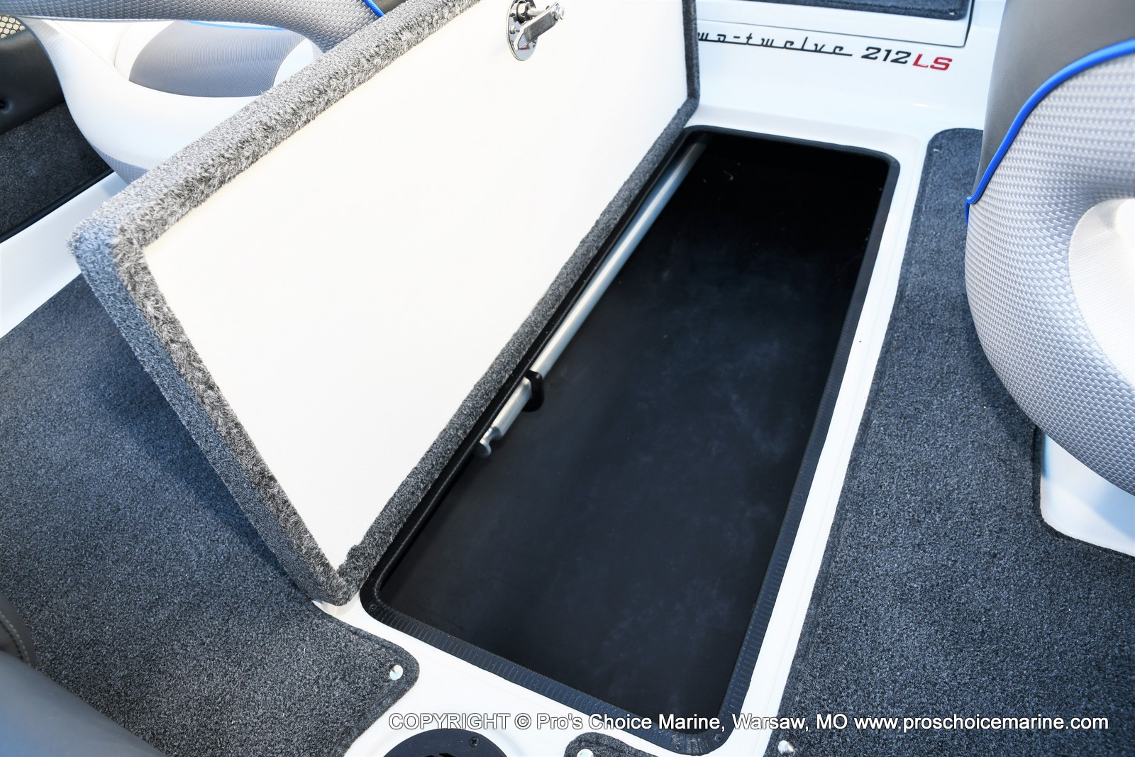 2021 Ranger Boats boat for sale, model of the boat is 212LS w/250HP Mercury Pro-XS & Image # 23 of 50