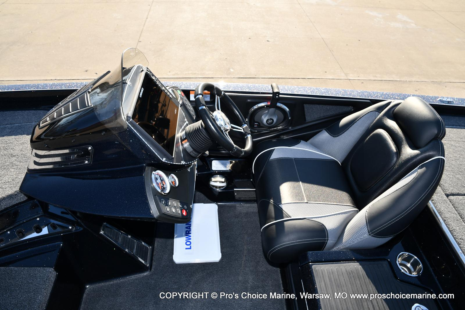 2021 Ranger Boats boat for sale, model of the boat is Z520C Ranger Cup Equipped & Image # 20 of 50