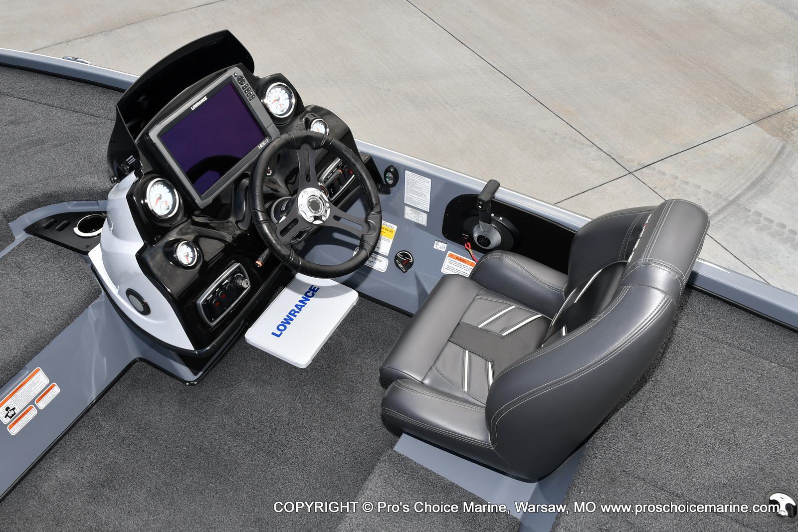 2017 Nitro boat for sale, model of the boat is Z18 & Image # 18 of 50