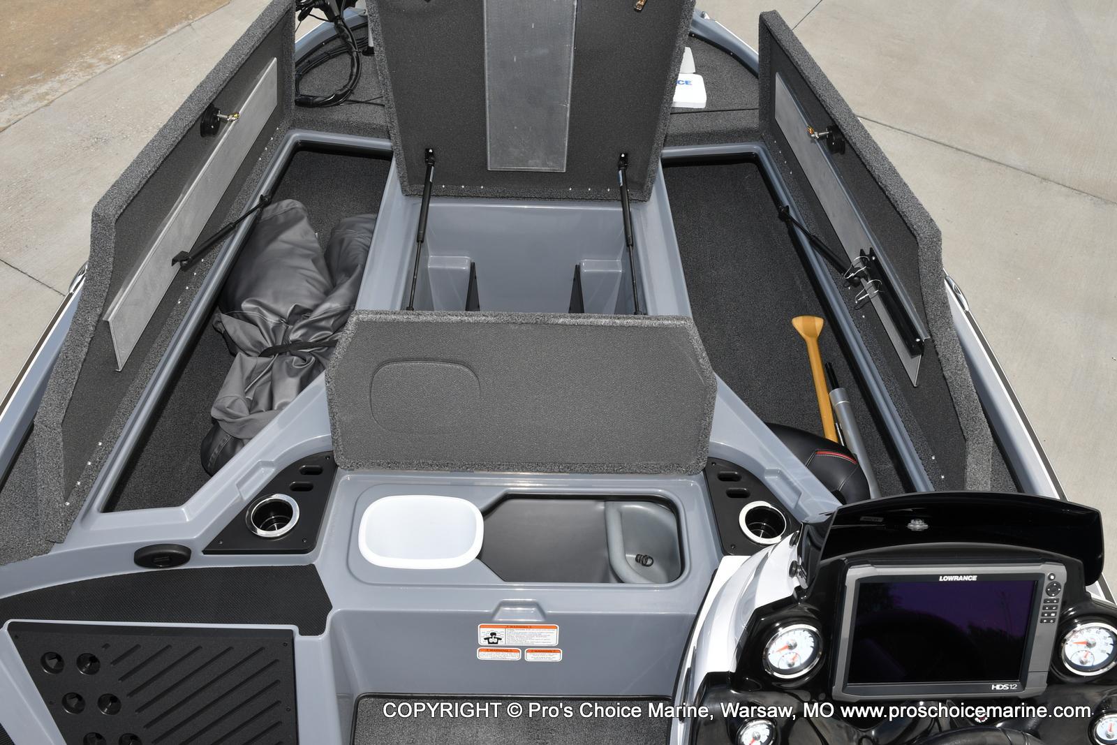 2017 Nitro boat for sale, model of the boat is Z18 & Image # 7 of 50