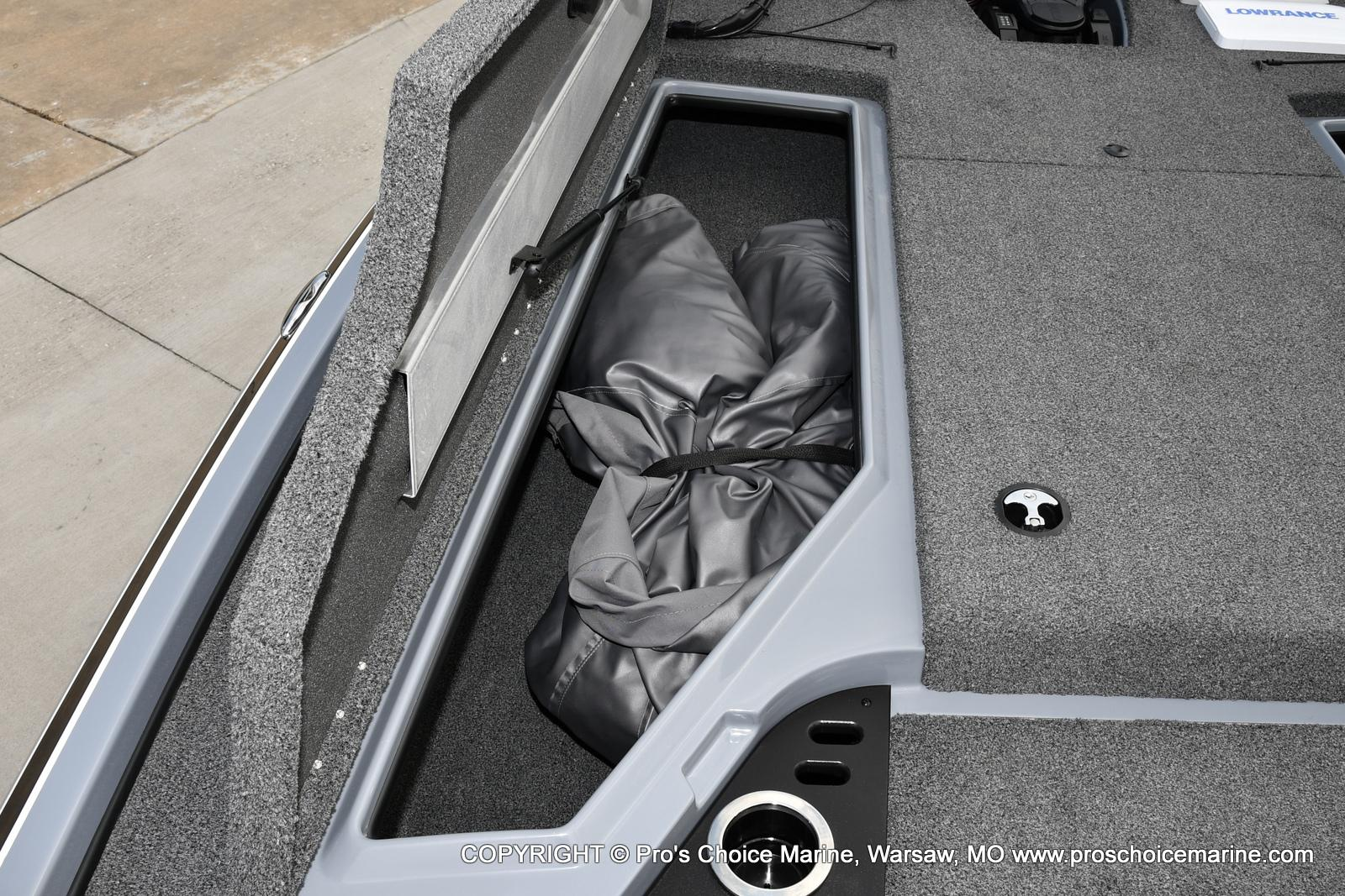 2017 Nitro boat for sale, model of the boat is Z18 & Image # 35 of 50