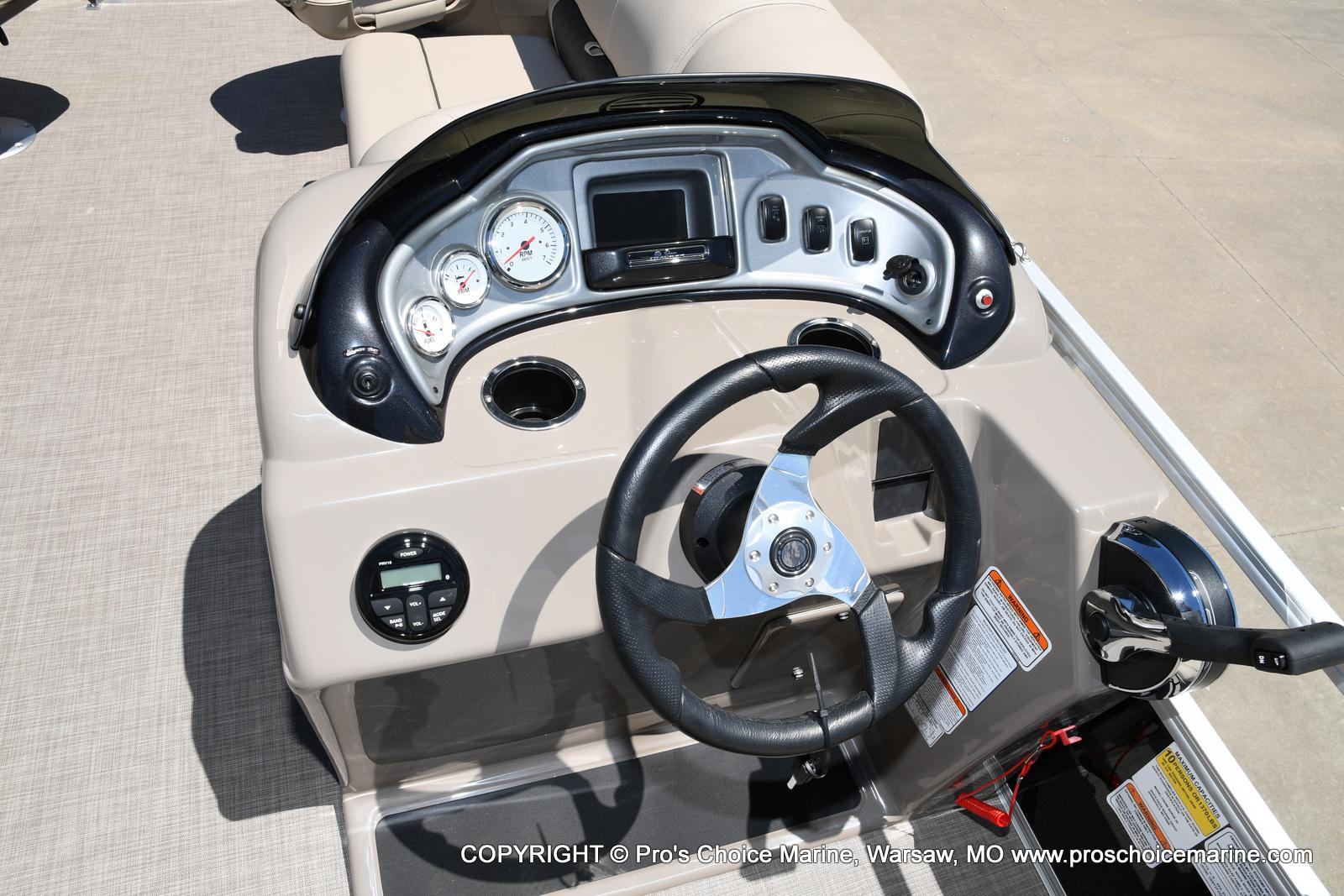 2021 Sun Tracker boat for sale, model of the boat is Fishin' Barge 20 DLX & Image # 48 of 50