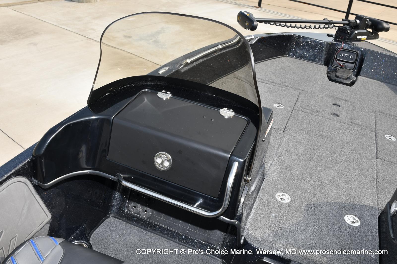 2022 Nitro boat for sale, model of the boat is ZV21 w/300HP Mercury Verado & Image # 24 of 50