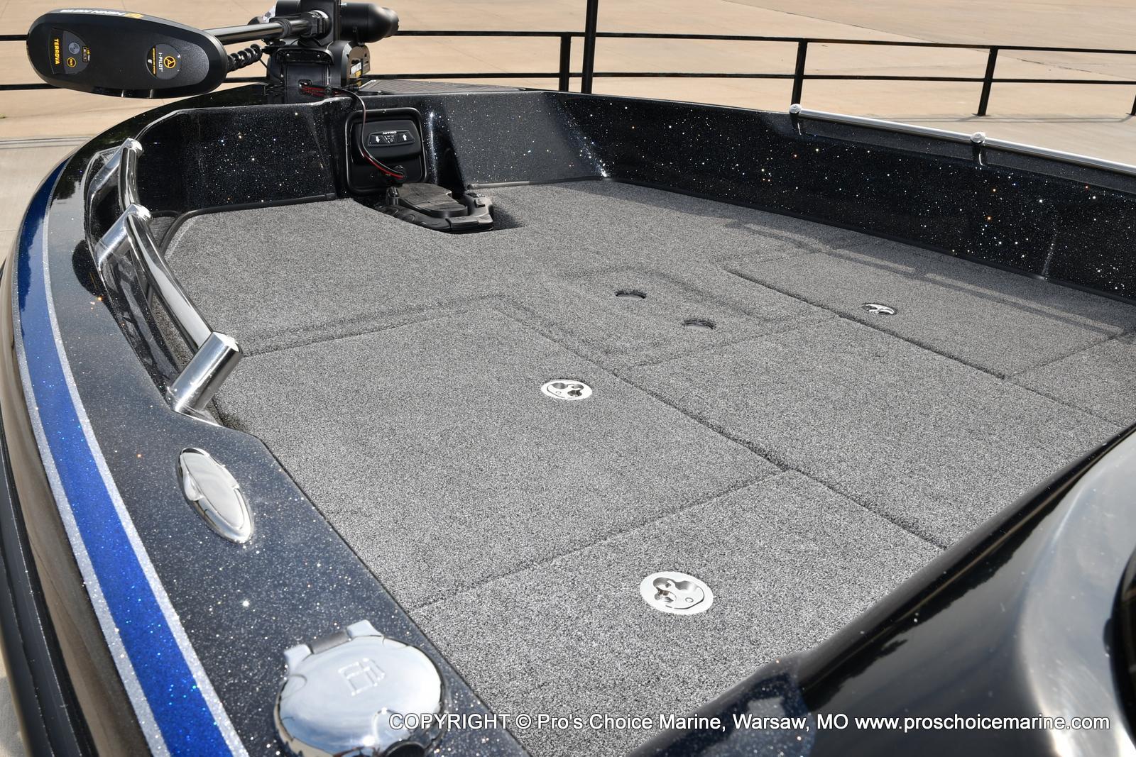 2022 Nitro boat for sale, model of the boat is ZV21 w/300HP Mercury Verado & Image # 6 of 50