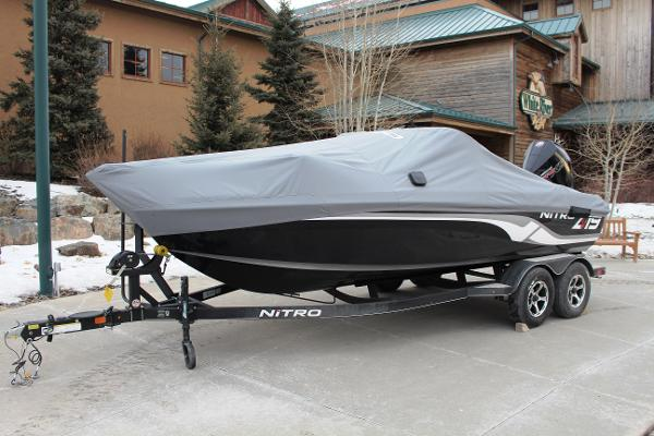 2019 Nitro boat for sale, model of the boat is ZV19 Sport & Image # 3 of 40
