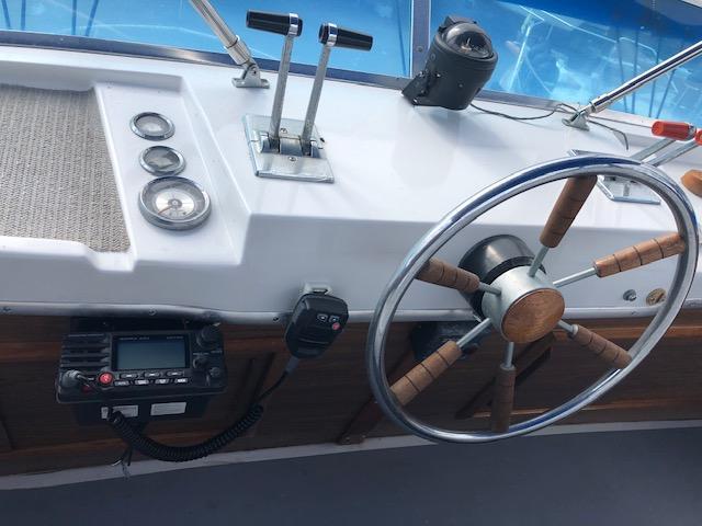 Uniflite 36 Sport Sedan
