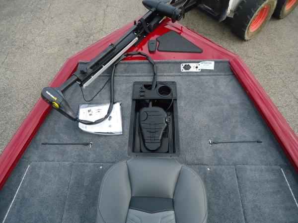 2020 Tracker Boats boat for sale, model of the boat is Pro Team 190 TX & Image # 7 of 9