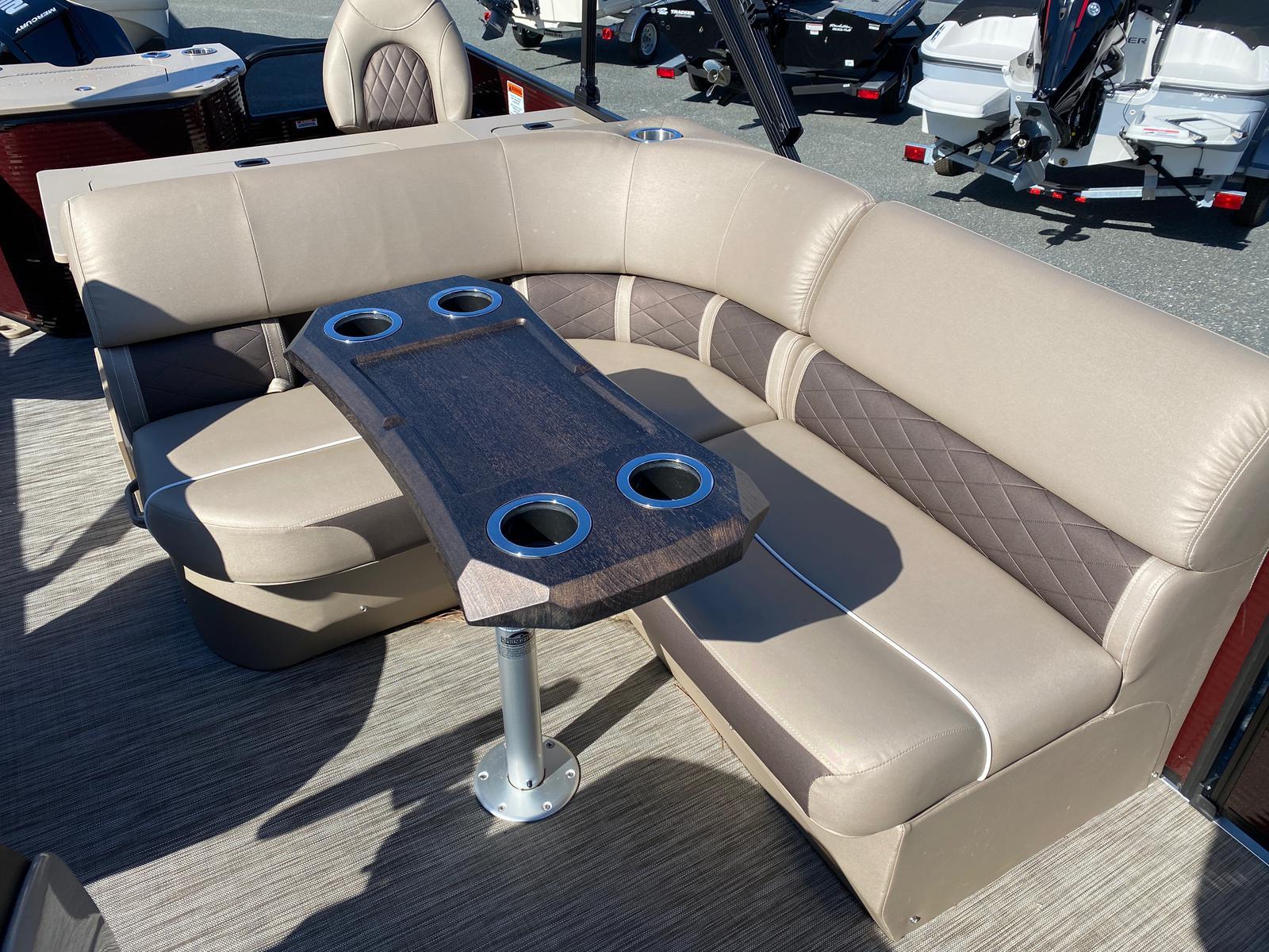 2020 Bennington boat for sale, model of the boat is 22 GSAPG - Dual Stern Gates Pontoon & Image # 10 of 14