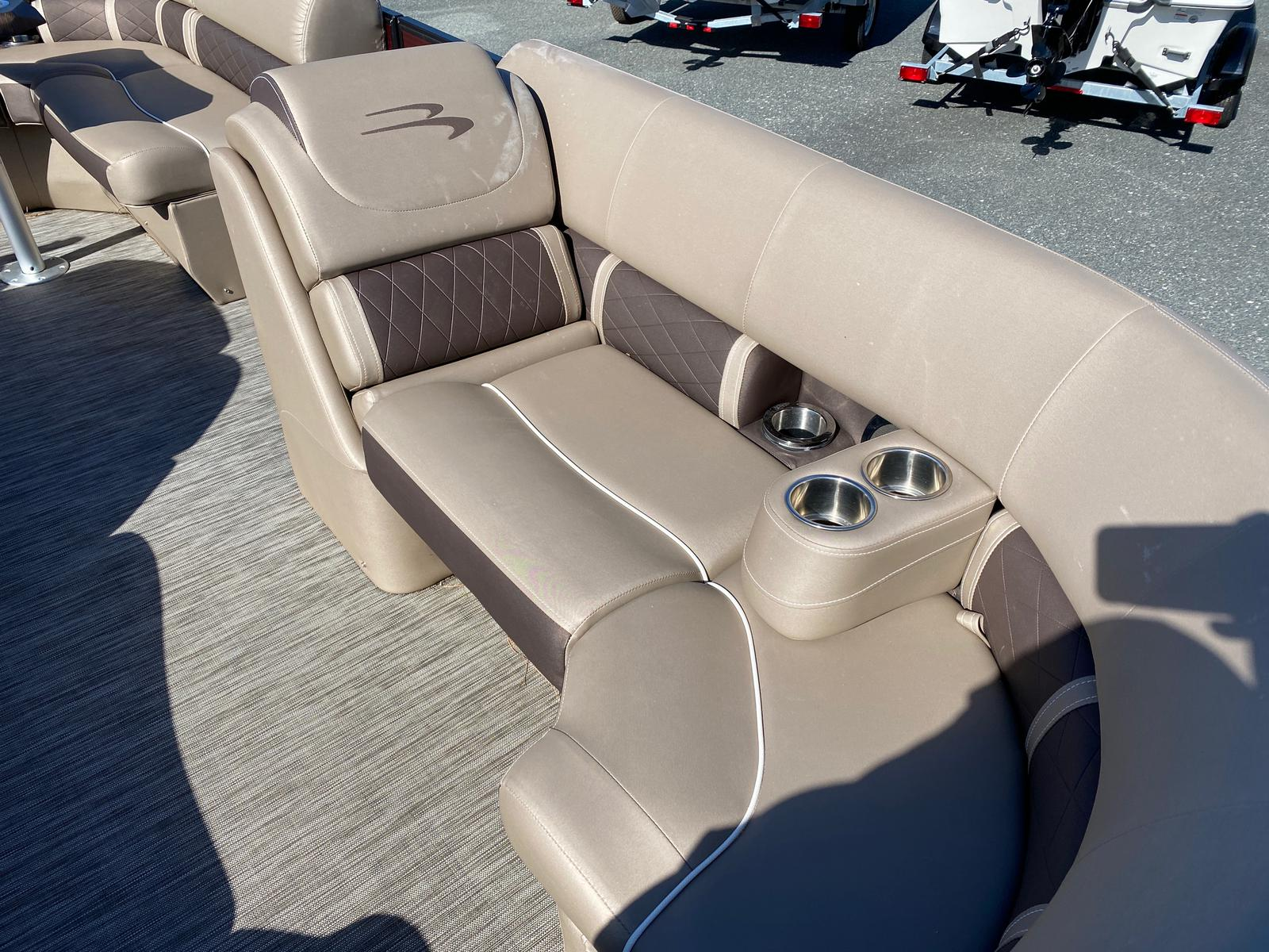 2020 Bennington boat for sale, model of the boat is 22 GSAPG - Dual Stern Gates Pontoon & Image # 11 of 14