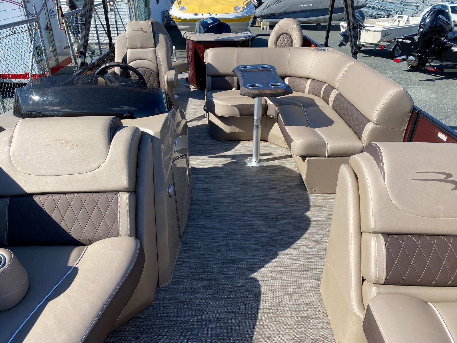 2020 Bennington boat for sale, model of the boat is 22 GSAPG - Dual Stern Gates Pontoon & Image # 13 of 14
