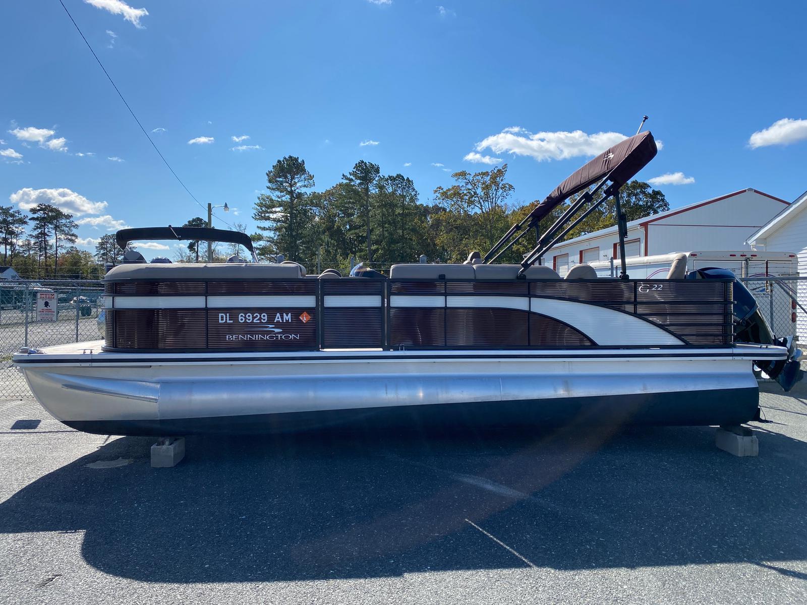 2020 Bennington boat for sale, model of the boat is 22 GSAPG - Dual Stern Gates Pontoon & Image # 2 of 14