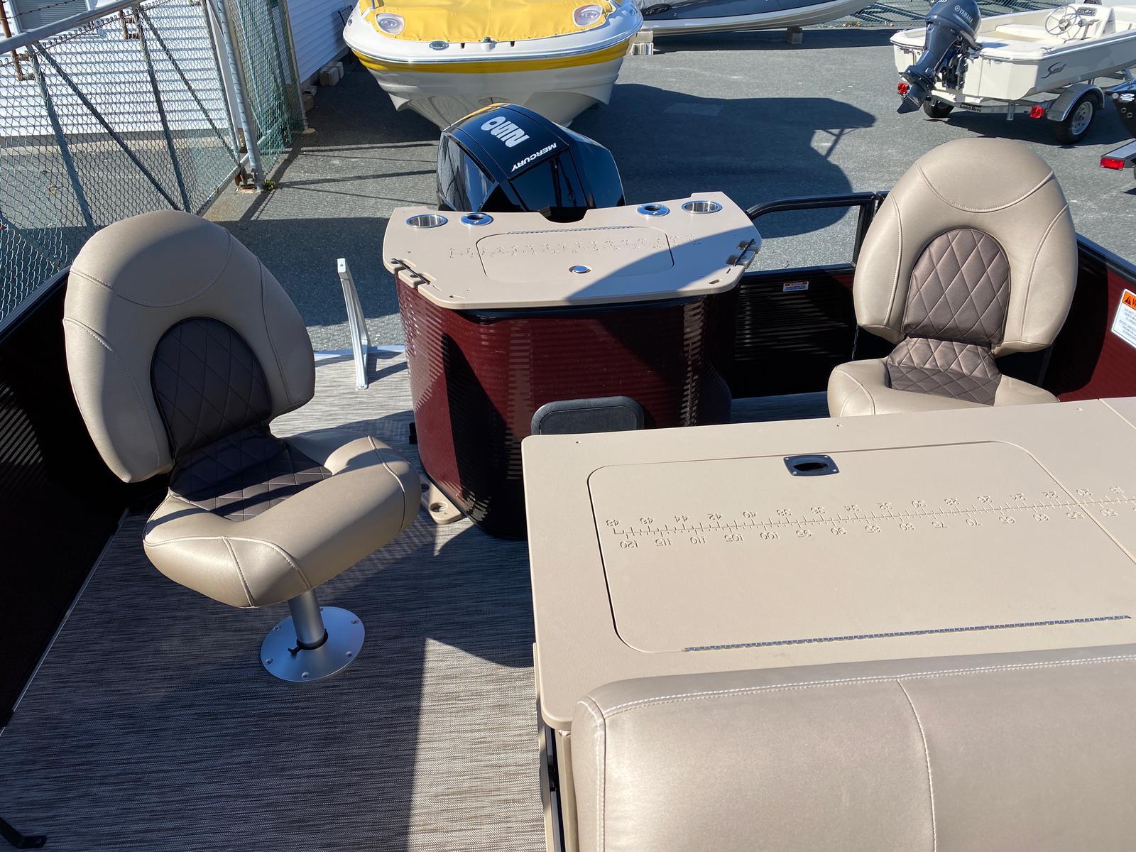 2020 Bennington boat for sale, model of the boat is 22 GSAPG - Dual Stern Gates Pontoon & Image # 3 of 14